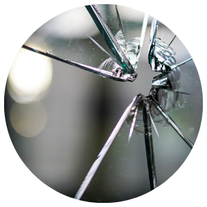 cracked glass repairs - glasgow aluminium shop fronts - scotland - shopfronts - fitouts - shopfitting